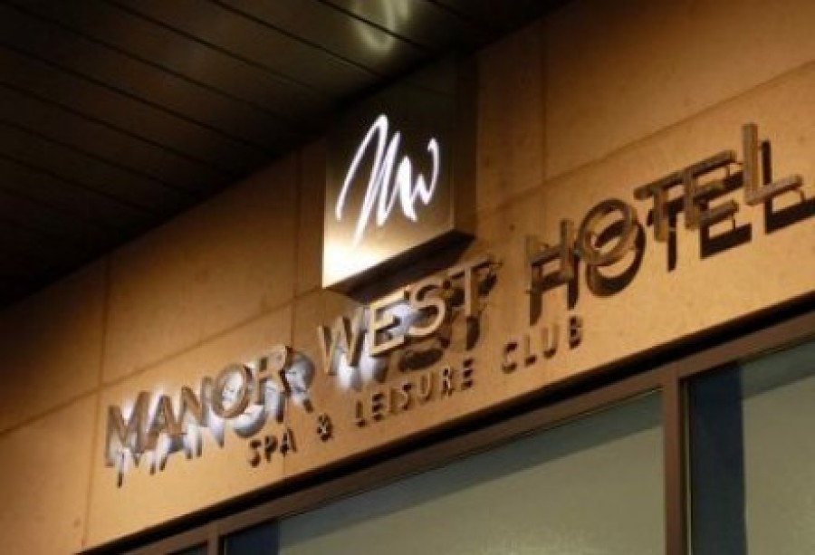 Refreshments for Tour De Munster Cyclists Thanks to Manor West Hotel