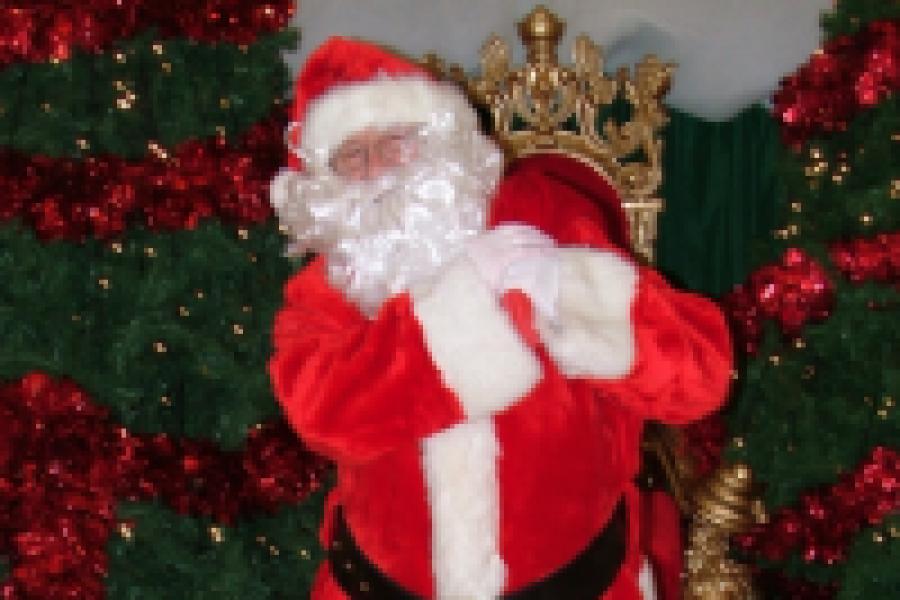Santa's Visiting Hours at Manor West